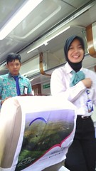 Pramugari dan pramugara Turangga (Argo Wilis CC) Tags: pramugari pramugara turangga keretaapi train bandung surabaya sarapan prami cantik cewek cowok ganteng