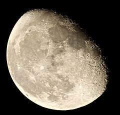 Waning Gibbous Moon (Sarah and Simon Fisher) Tags: astronomy astrophotography moon moonwatch lunar lunarseas craters waning gibbous naturalsatellite night sky clear primefocus canon 600d maksutov 127mm telescope bromsgrove worcestershire uk