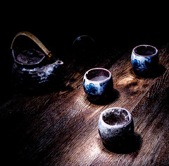 Renewed Interest (Light canvas) Tags: antique vintage blackandwhite mono monochrome tea teaset light lightcanvas lightpainting paintingwithlight