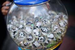 panda panda panda (kasa51) Tags: gachapon gashapon capsuletoys panda ball chinatown yokohama japan     nikkorsauto50mmf14 vendingmachine