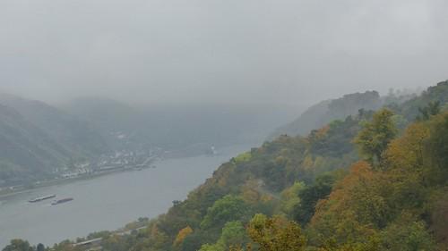 Blick auf Kaub und Rhein von der Schönburg aus