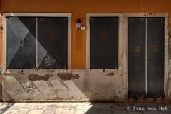 1...2...3...4...5 (Ivan van Nek) Tags: motorolaxt1068 motog2ndgen veneti venezia venice italia italy itali italien italie sanmarco doorsandwindows facade