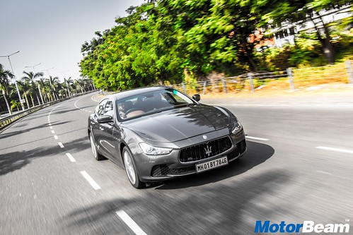 2017-Maserati-Ghibli-03