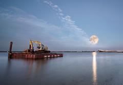 The disaster barge and the supermoon. (Jill Bazeley) Tags: super moon supermoon luna lune intracoastal waterway indian river lagoon pineda causeway park melbourne florida brevard county space coast barge sony alpha a6300 1018mm sel1018 hurricane matthew disaster 2016
