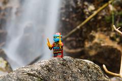Nya en plena naturaleza / Nya in nature (CHUKY8208) Tags: lego nya ninjago agua cascadas labarranca navacerrada madrid naturaleza