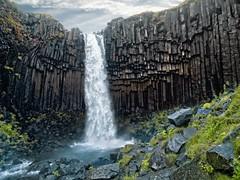 svartifoss (mudokkon) Tags: iceland islandia waterfall worldlandscapes color colour cascada landscape landscapes paisaje paisajes scenery magic