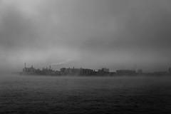 Hafen Hamburg (axelschwei1) Tags: hafen hamburg industrieanlage elbe nebel schwarz weiss