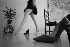 (R.O.Y.G.B.I.V.) Tags: berlin deutschland germany woman girl legs feet highheels beautiful fashion elephant style art 35mm film monochrome filmisnotdead analoguephotography photography photooftheday blackpaintm4 leica superangulon superwide leicam4