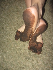 IMG_0012 (Elizabeth Townsend) Tags: dirty feet soles filthy black gre oily female