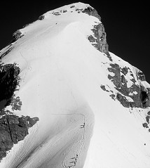 a close eye on the Jungfrau - very fond memories (claude05) Tags: berneralpen bernesealps switzerland alpinism summit bw