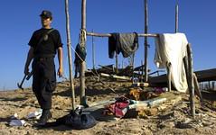 IMG_0114 (640x401) (Lig Ynnek) Tags: peru gold mine police policia madrededios mineria
