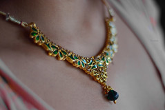 ~necklace~ ([s e l v i n]) Tags: art beautiful beauty fashion neck 50mm design necklace fashionphotography ss style jewellery ornament ornaments indianjewellery 50mmprime primelens indianfashion selvin necklacedesign