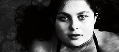 retrato em preto e branco (saudades1000) Tags: water face agua retrato teen menina rosto