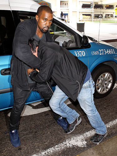 Video Kanye West performs bound 2 on Late Night with Jimmy Fallon