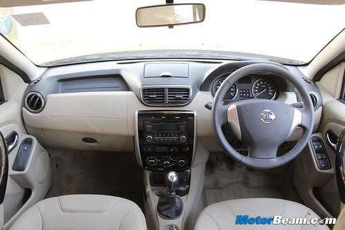 2013-Nissan-Terrano-36