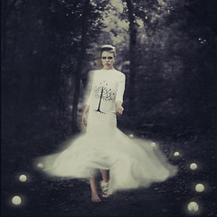 the beckoning (Amy Ballinger) Tags: woman beautiful forest dark glow path ghost choice calling beckon gondor afterworld