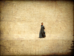 walking man - (Explore 29/10/13) (*atrium09) Tags: man texture walking antique egypt explore filter egipto technicolor hombre caminando esna isna atrium09 qina rubenseabra