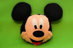 Mickey em Feltro - Almofada Decorativa (Fuxico da Carol) Tags: mickey feltro almofada decorativa