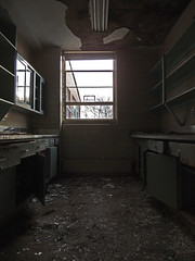Pauly D State School (DkdUE) Tags: abandoned hospital decay urbanexploration vacant damaged derelict decayed ue mentalhospital urbex stateschool stateschoolforthementallyretarded
