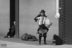 Up And Bootstraps Tied (Ian Sane) Tags: street camera old musician woman white black men up oregon canon portland lens ian photography eos town is market candid homeless saturday accordion images 2nd 7d and usm tied avenue performer busking sane bootstraps ankeny ef100400mm f4556l