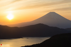 Mt. Fuji at Sunset glow (Masahiko Futami) Tags: sunset nature japan canon landscape photographer mountfuji 日本 fujisan 自然 hakone 夕日 風景 mtfuji 箱根 神奈川県 芦ノ湖 富士 lakeashinoko 冨士山 eos5dmarkiii