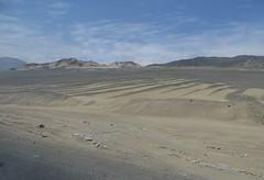 Between Casma and Chimbote (zug55) Tags: peru landscape desert paisaje per desierto casma chimbote panamericanhighway ancash carreterapanamericana panamericananorte carreterapanamericananorte