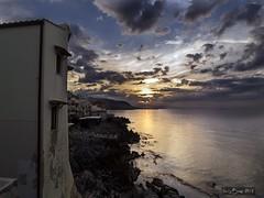 Atardecer en Cefal (LUIS FELICIANO) Tags: cefal sicilia italia atardecer anochecer ocaso airelibre exterior mar costa litoral martirreno olympus e5 lent70300mm