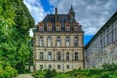 Château de Fontainebleau - HDR (gilles_t75) Tags: d5300 france gillest hdr nikkor1855mmf3556 nikon bracketing exposurefusion highdynamicrange photohdr photomatix tonemapping fontainebleau seineetmarne77 îledefrance château