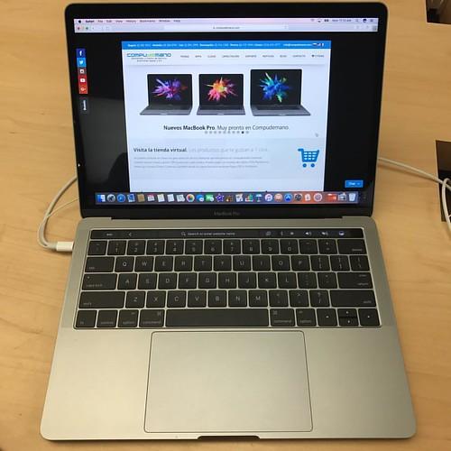 Nuevos #MacBook Pro con Touch Bar. Muy pronto en @compudemano. Distribuidor, Centro de Servicio y Consultor Autorizado #Apple. #cadadiamejor #like4like