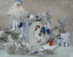 snowy winter (Button-NK) Tags: expectation holiday newyear christmas stilllife toy santaclaus christmastree christmasdecorations cock white blue apples