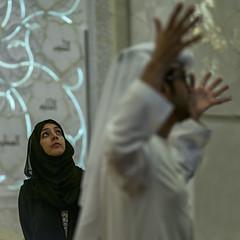 (isac babel) Tags: arabemirates sheikhzayedmosque woman