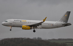 Vueling - Airbus A320-232/S EC-LUO @ Cardiff Rhoose (Shaun Grist) Tags: ecluo vueling airbus a320 shaungrist cwl egff cardiff cardiffairport cardiffrhoose rhoose wales airport aircraft aviation aeroplanes airline avgeek