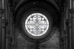 Bibliothek (Elbmaedchen) Tags: duster dster fensterrosette bibliothek kopenhagen copenhagen fenster window schwarzweis blackandwhite dnemark denmark danmark universitt