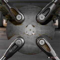 Constructie (Fotografie, Gouda) Tags: construction staalconstructie symmetrie symmetry roestvrijstaal spankabels rinuslasschuyt lasschuyt lijnen lines nikon nikond7200 diagonaal diagonal diepte