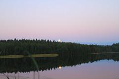 Super Moon at Lake Keskinen_2013_06_24_0032m1 (14) (FarmerJohnn) Tags: cloud moon lake reflection water night clouds canon suomi finland may super calm silence midnight moonlight vesi kuu y laukaa jrvi pilvi junemoon keskuu keskinen tyyni keskiy kuutamo valkola vedenpinta hiljaisuus lakesurface canon7d supermoon heijatus anttospohja superkuu juhanianttonen supermoon23th24thjune2013 ef1635l28iiusm