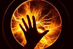 Energy! (Yolo Axolotl) Tags: light luz mxico canon contraluz df energy hand electricity mano unam electricidad distritofederal centrohistrico energa ti1 museodelaluz delegacincuauhtmoc yoloaxolotl
