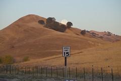 DSC_1420 (RHMImages) Tags: morning moon fence landscape nikon hillside blackdiamond ebrpd d600 contraloma ebparksok