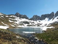 Ibón de l'Acherito (Patataasada) Tags: españa lake snow primavera landscape lago spring spain huesca nieve paisaje mayo montaña glaciar oza pirineo excursión aragón ibón pirineoaragonés jacetania a3b valdecho chacetania