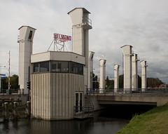 Helmond - Hefbrug over de Zuid-Willemsvaart (grotevriendelijkereus) Tags: helmond netherlands nederland holland brabant noord stad city town village plaats gebouw architecture building brug bridge