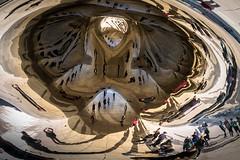 Psychdlique (Lucille-bs) Tags: amrique etatsunis usa illinois chicago thebean cloudgate sculpture reflet psychdlique silhouette dformation