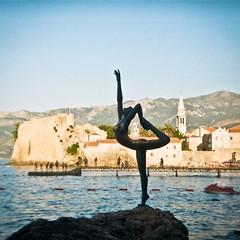 budva princess (Esperanza_80) Tags: film lomo diana dianalomo travel ishootfilm montenegro cirnagora buva dubrovnik budva sea