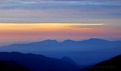 Matutinus (Pedro Pablo Orozco) Tags: nubes amanecer aurora colombia neblina sunrise aman
