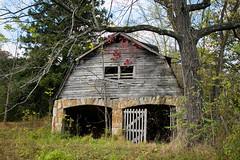 Old classy barn - Dillard, Ga. (DT's Photo Site) Tags: barns rural country roads rabun georgia vintage old dirt farm vanishing