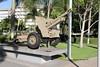 Ordnance QF 25 Pounder MK.II (1940) (Gerald (Wayne) Prout) Tags: ordnanceqf25poundermkii1940 display cairnscenotaphandmemorialsite cairnsespanade cityofcairns queensland australia prout geraldwayneprout canon canoneos60d ordnance qf25 pounder mkii 1940 gun fieldgun howitzer unitedkingdom royalordnance worldwarii malayanemergency koreanwar rhodesianbushwar southafricanborderwar dhofarrebellion turkishinvasionofcypress lebanesecivilwar srilankencivilwar iraqiinsurgency hydropneumatic verticalslidingblock calibratingandreciprocating cenotaph memorial cairns espanade fogartypark cairnsnorth
