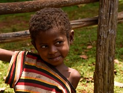 Wolayta Girl (Rod Waddington) Tags: africa african afrika afrique ethiopia ethiopian ethnic etiopia ethnicity ethiopie etiopian äthiopien wollaita wolayta tribe traditional tribal village fence portrait girl child outdoor