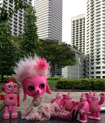 Peteena Pinkilicious and her Pink entourage in the City