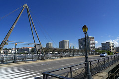 Boulogne-sur-Mer, pont Marguet (Ytierny) Tags: france horizontal port pont immeuble lampadaire pche pasdecalais boulognesurmer ctedopale boulonnais marguet ytierny
