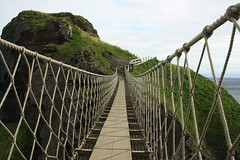 Carrick-a-rede, Rope Bridge, Ballintoy, Antrim (PakoGONZO) Tags: bridge ireland puente rope cliffs northern nationaltrust carrickarede ballintoy acantilados colagante antirm