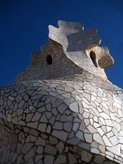 On the roof of Casa Mila in Barcelona (Sokleine) Tags: barcelona architecture spain modernism mosaics catalonia unesco espana gaudi espagne unescoworldheritage chimneys casamila barcelone chemines catalogne