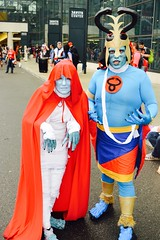 DSC_0675 (Randsom) Tags: nycc 2016 newyorkcomiccon nycomiccon javitscenter october nyc newyorkcity cosplay costume fun comicbooks comicconvention facepaint hood claws blue people outdoor contacts helmet cape mummy couple matchingcostumes